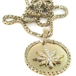 """Other - Leaf Bling Stones Gold Tone Pendant with 36"""" Chain"""
